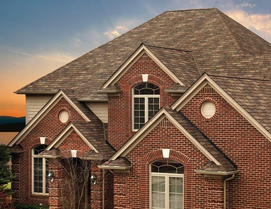 asphalt roofing contractor